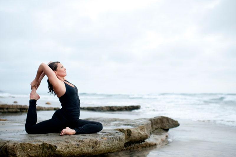Personal_Brand_Branding_Photography_Photographer_Shiela_Mudd_roberts_San_Diego_California_yoga_teacher_beach